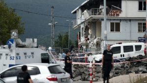 The car bomb attack was carried out on a police station in the Sultanbeyli area of the city.