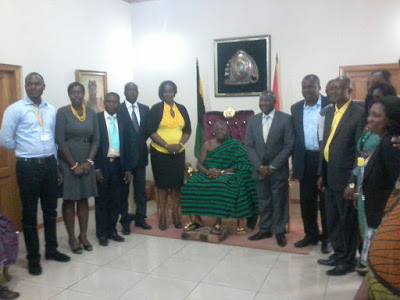 Asantehene in a group pix with the MTN delegation(CEO on immediate left)