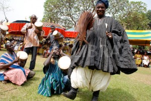 412363-a-dagomba-chief-dancing-northern-ghana-300x201