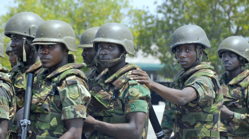 western_accord_13_ghanaian_soldiers_2013-06-26_b002