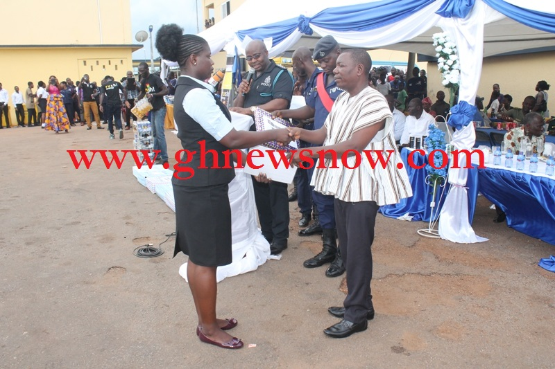Best Female CID Police Woman In Ashanti Region Receiving Award