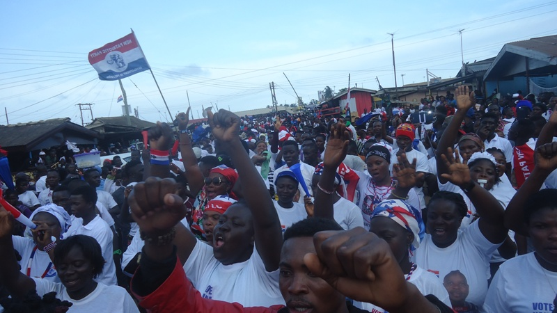a-cross-section-of-the-npp-crowd-at-the-ningo-mini-rally