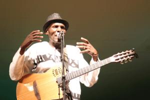 Oliver Mtukudzi Photo Courtesy: southerneye.co.zw